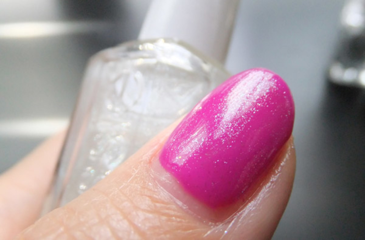 Essie Luxeffects Topcoat in Pure Pearlfection over Gelish Carnival Hangover_BEAUTYGEEKS_imabeautygeek.com
