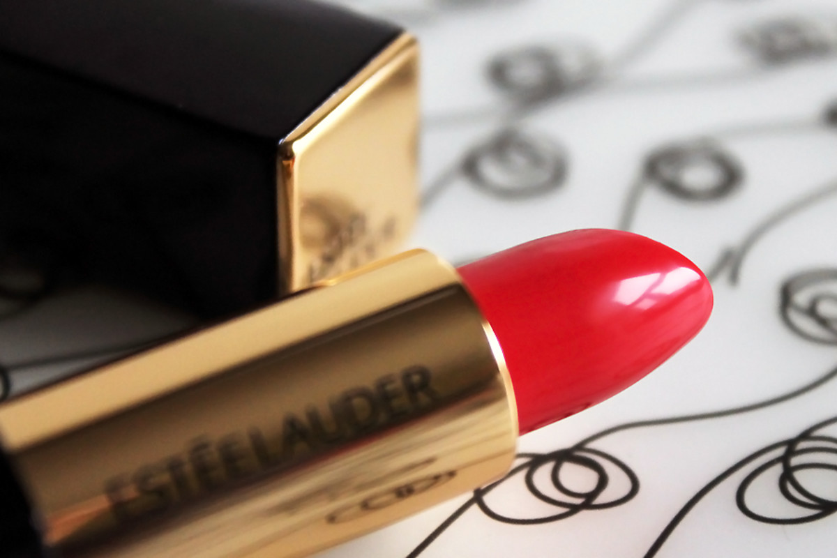 Estee Lauder Pure Color Envy Sculpting Lipstick in Defiant Coral