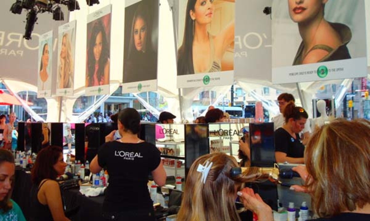 LOreal Paris Beauty Tent_inside