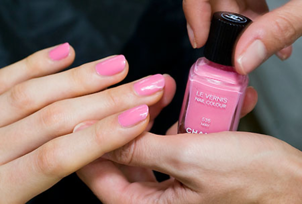 Chanel 2012_backstage beauty_nails_nail polish in May