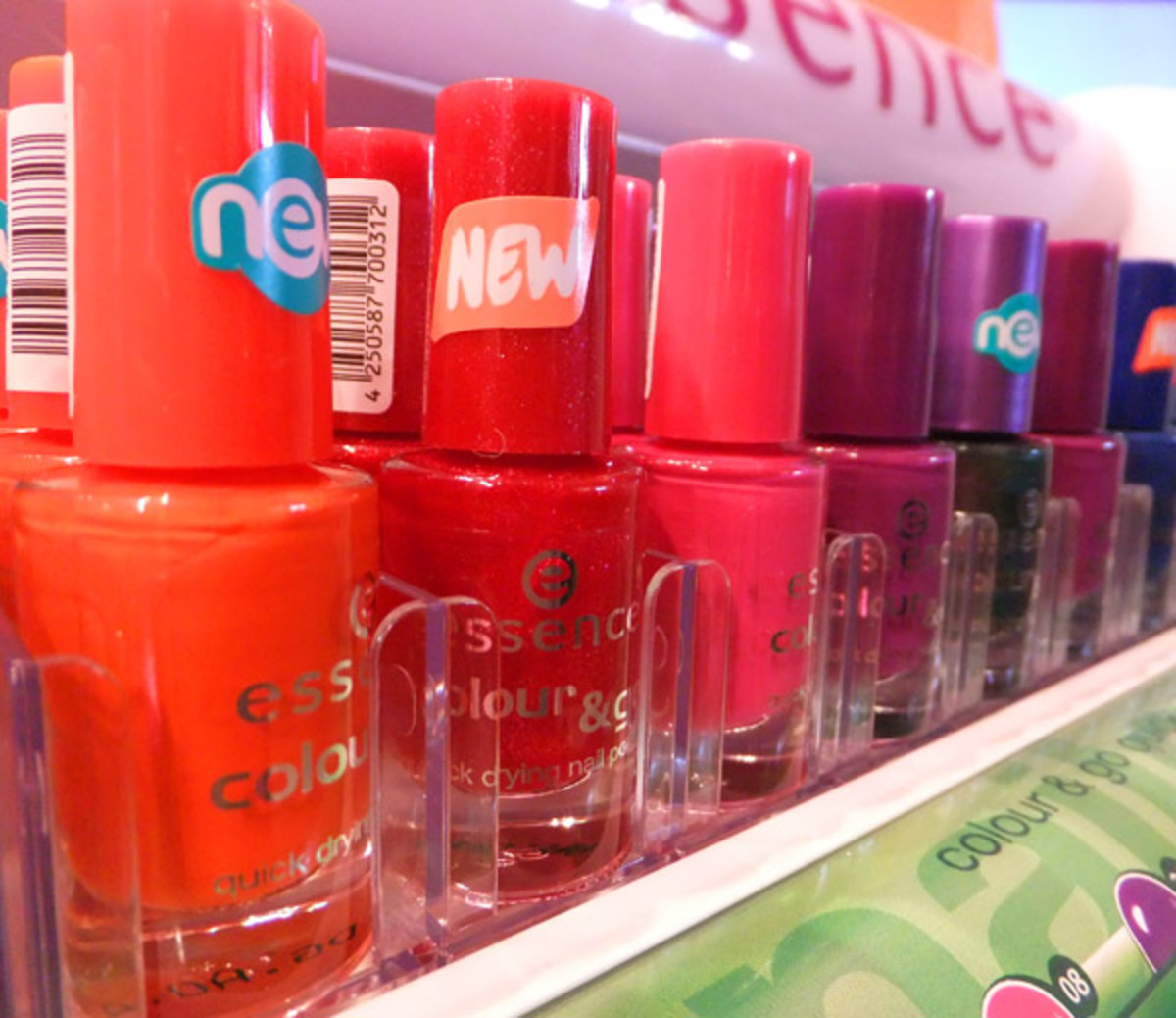 Essence Colour & Go Quick Drying Nail Polish