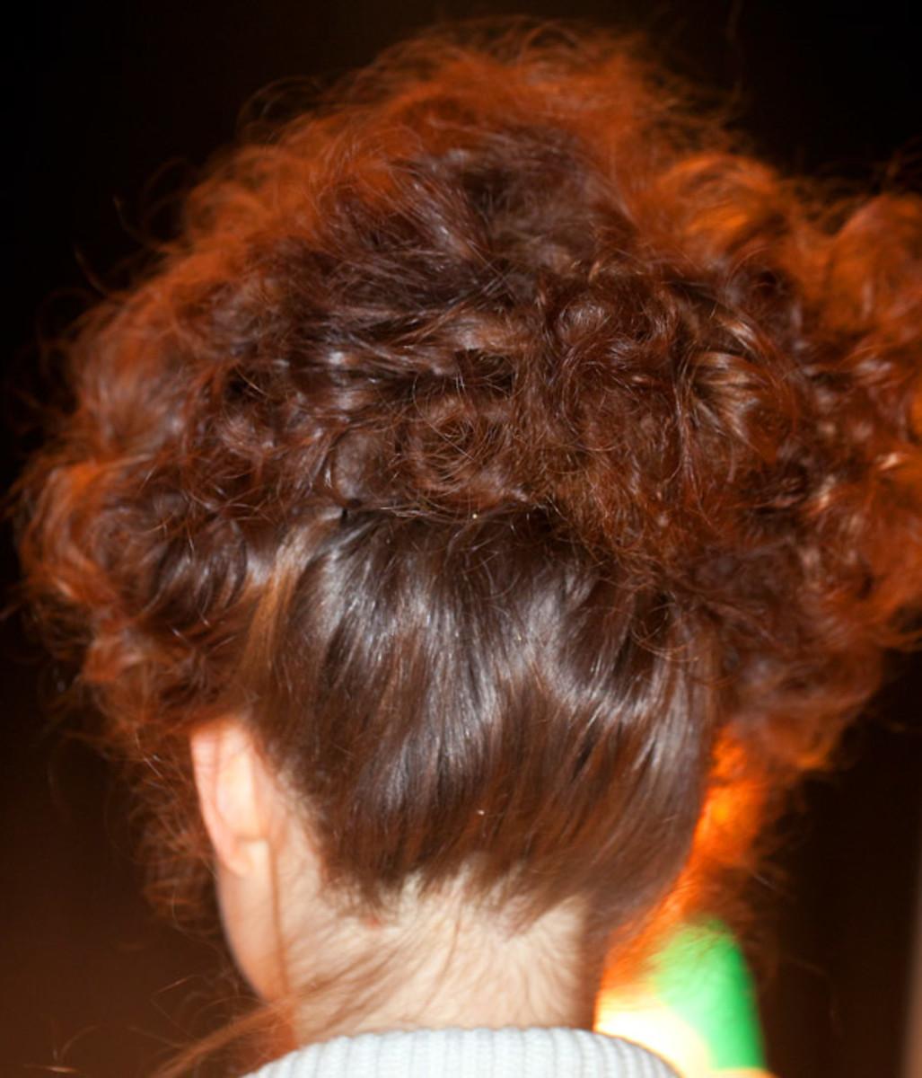 Annie 50 hair