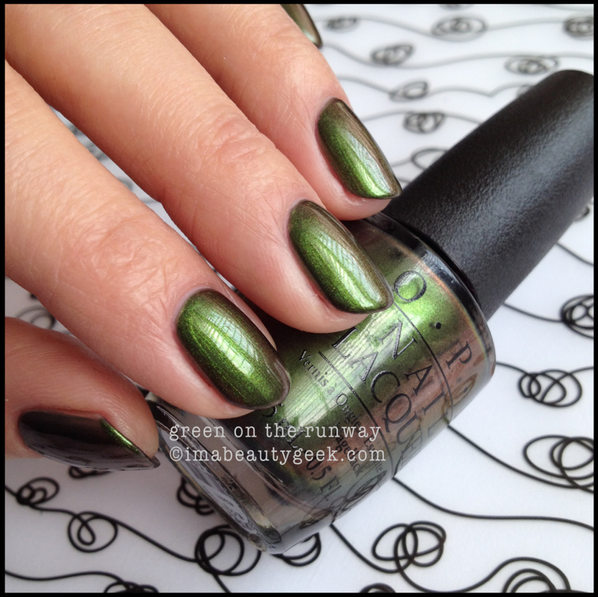 OPI Green on the Runway OPI Coca Cola 2014