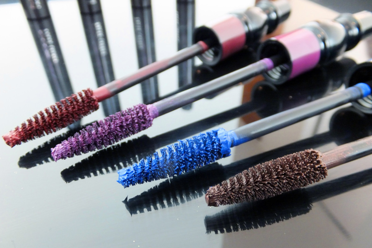 how to wear coloured mascara_MAC False Lashes coloured mascara