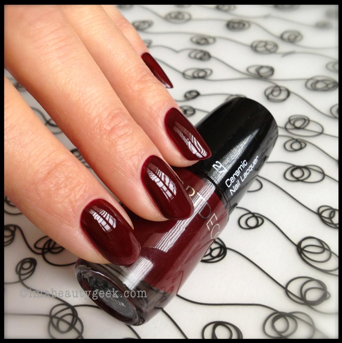 ARTDECO 27 Black Red