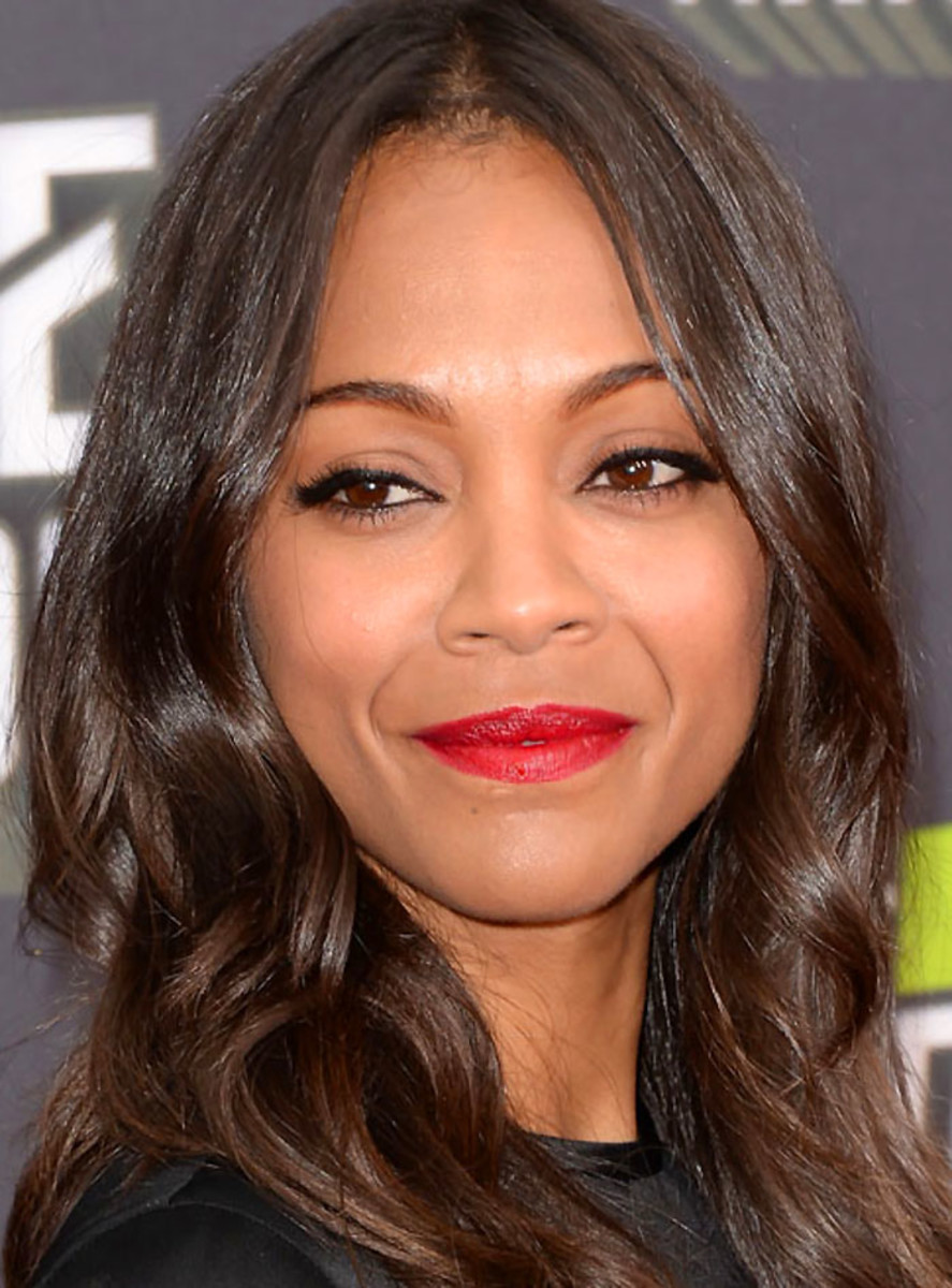 Zoe Saldana: tightlining and lining
