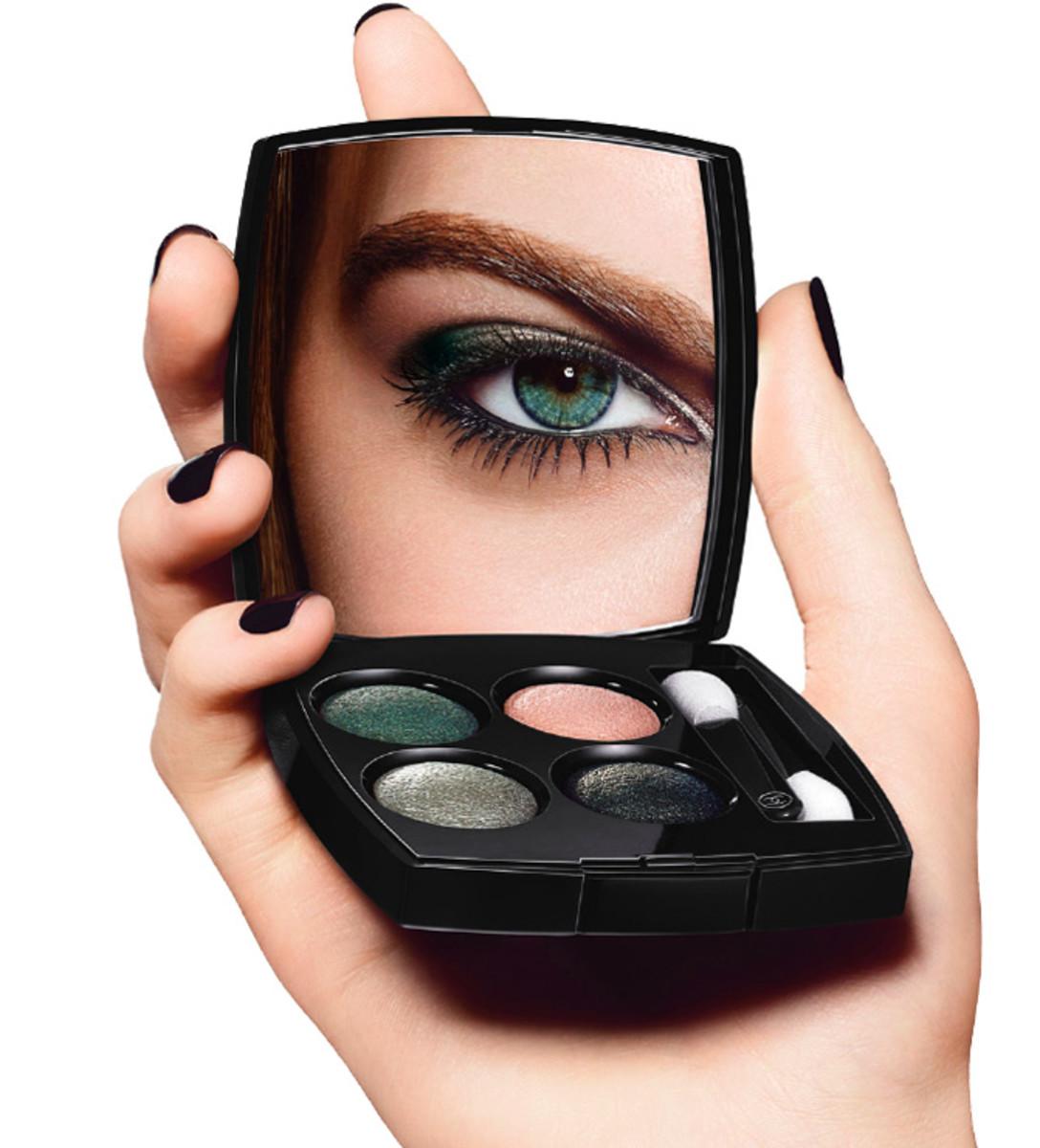 CHANEL Eye Makeup Chart_CHANEL INTENSE EYES LOOK_beauty shot