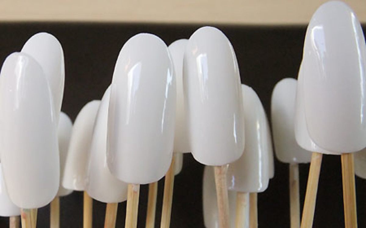 Watercolour nails_glazed white base_Tips Nail Bar