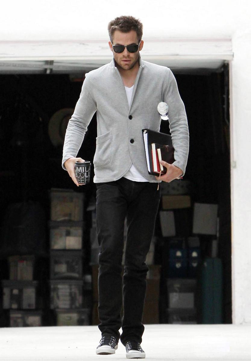 Chris Pine_grey jersey jacket