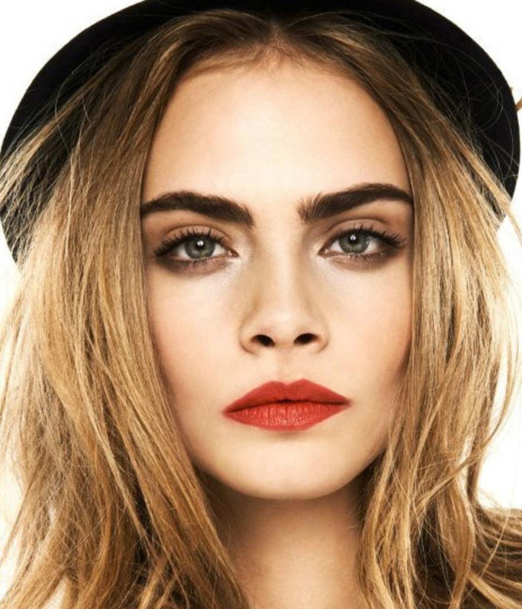 bold lips smokey eyes_Cara_desk to date night makeup