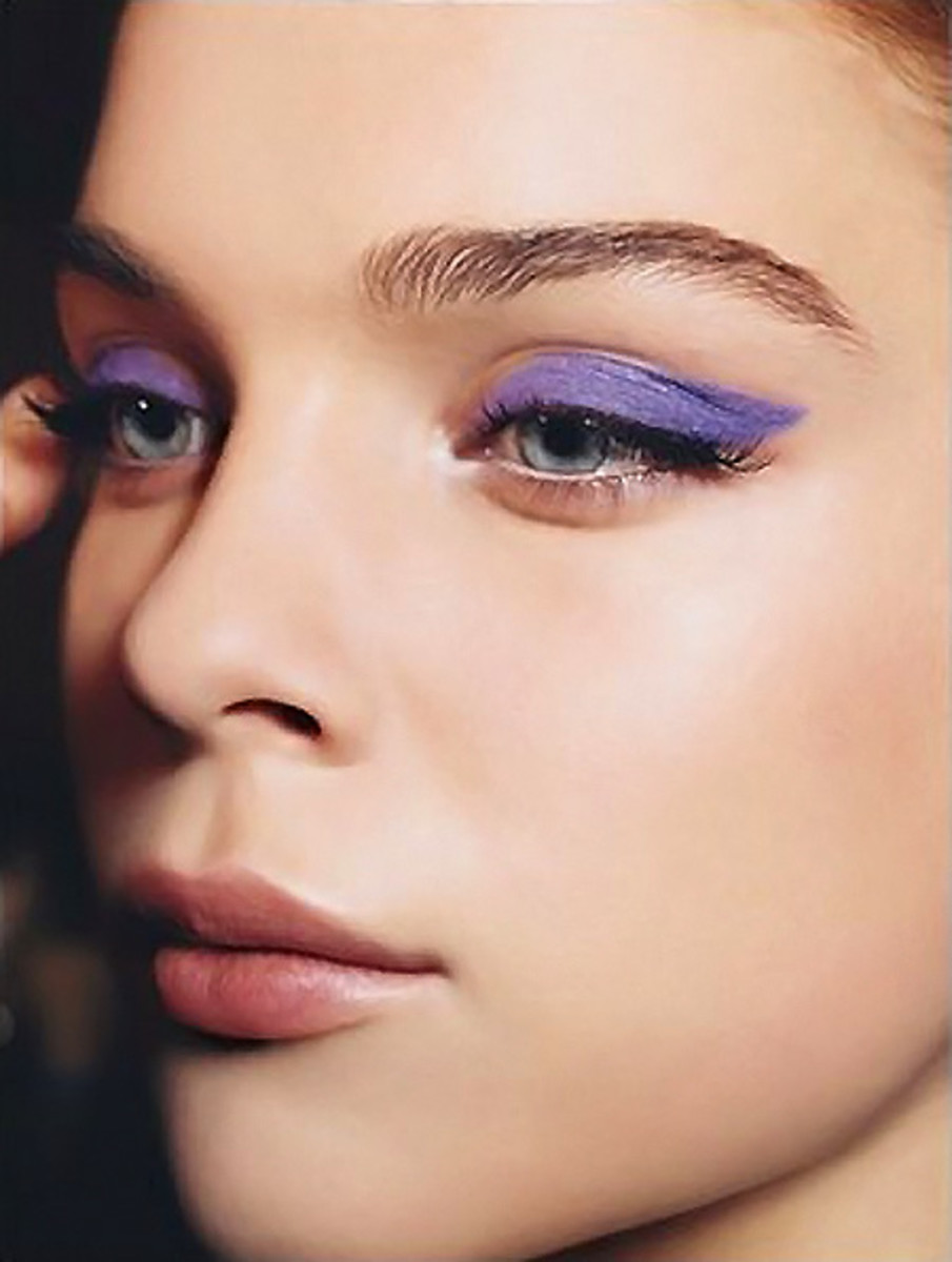 New Year's Eve makeup_dramatic violet liner