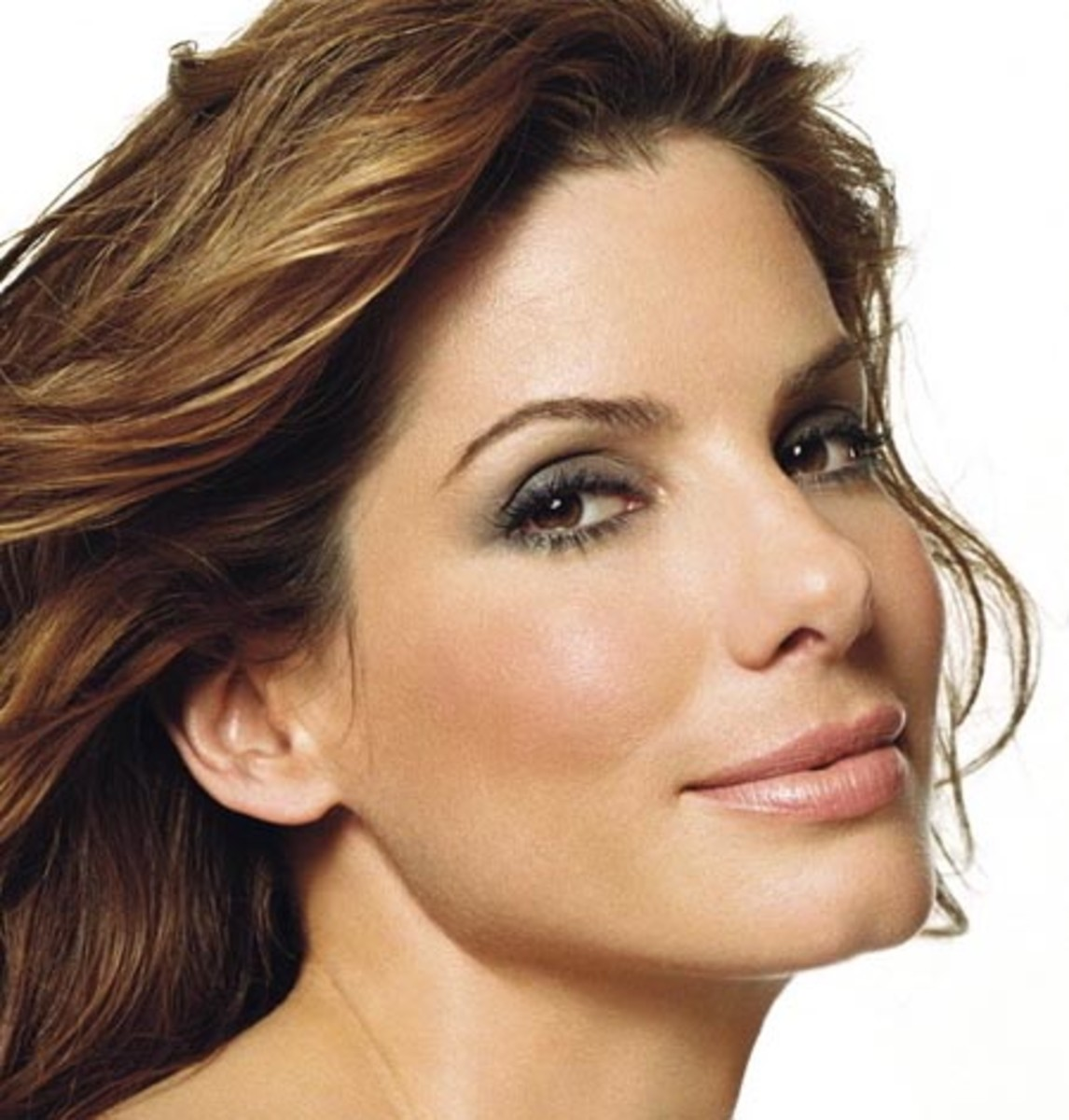 Sandra Bullock pretty smoky eyes