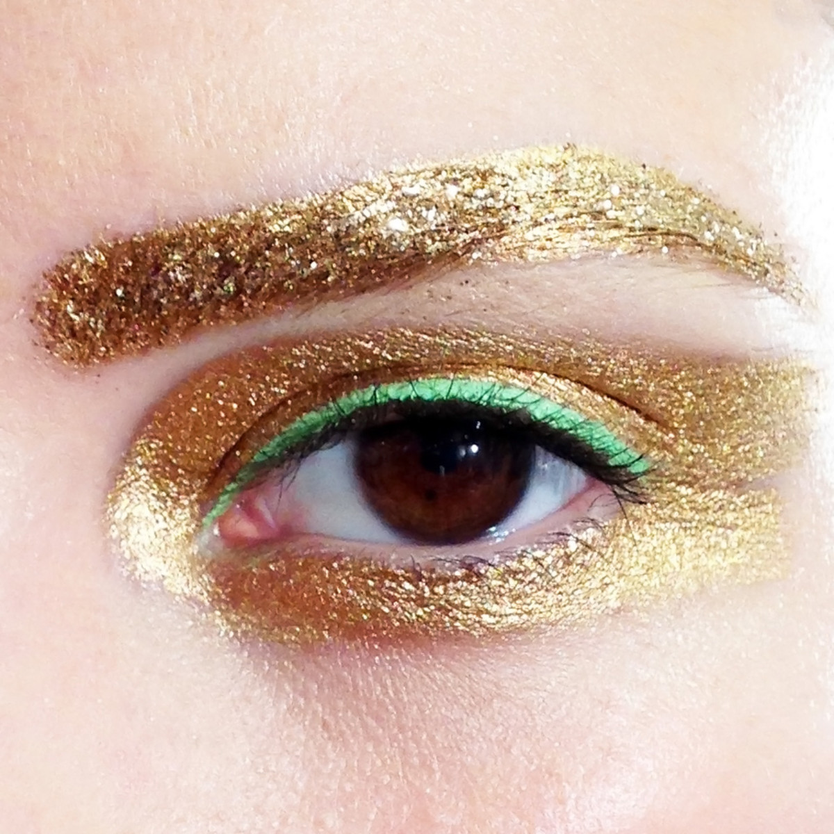 Christian Dior Spring 2014 Ready to Wear_eye makeup closeup