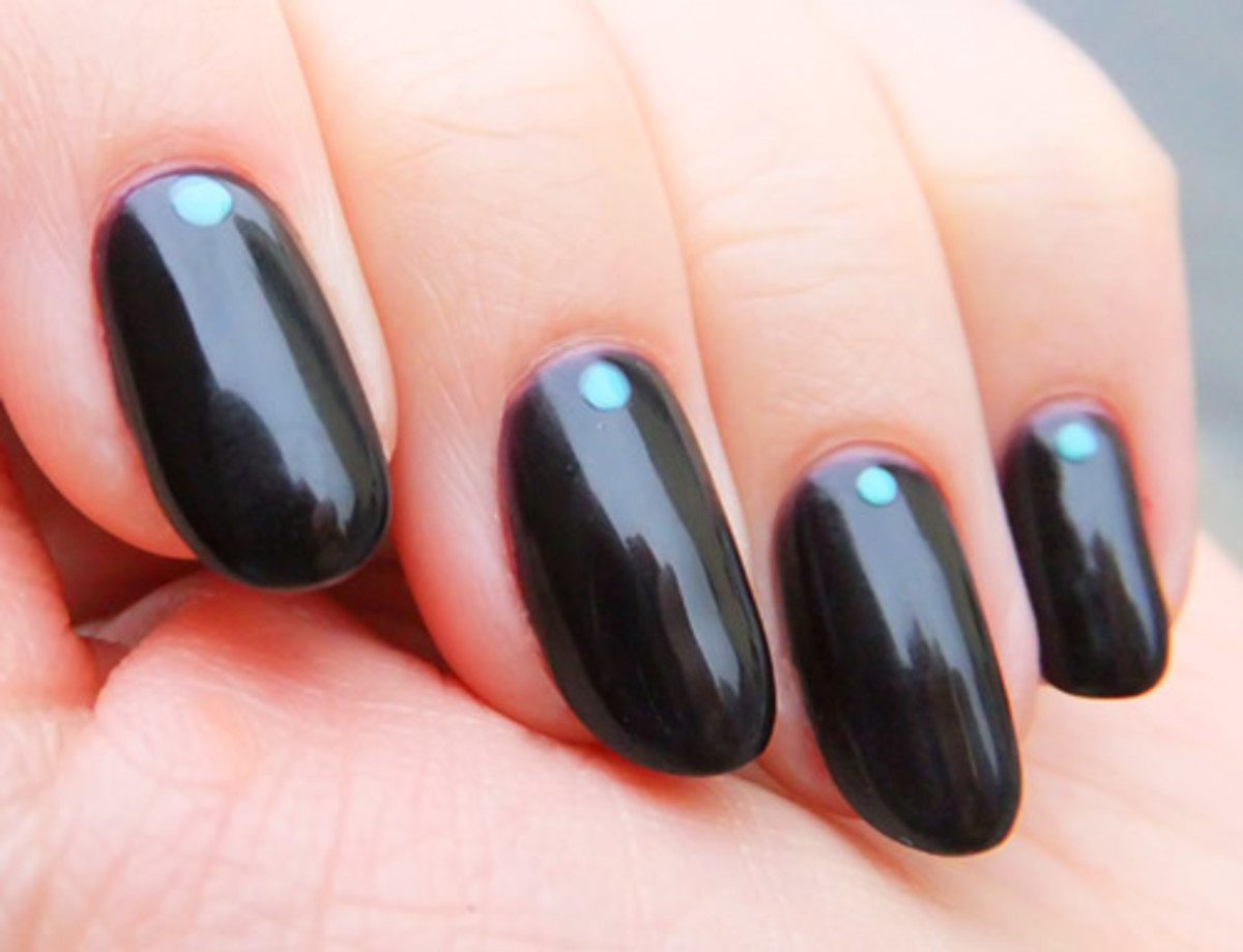 OPI GelColor mani in Lincoln Park After Dark with Essie Turquoise & Caicos dot