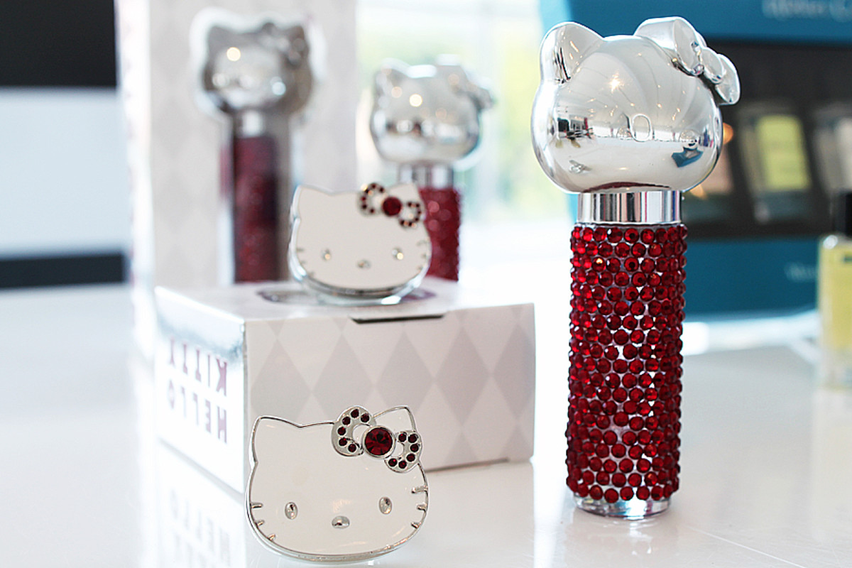Hello Kitty Holiday 2014_Hello Kitty Ruby solid perfume cocktail ring ...