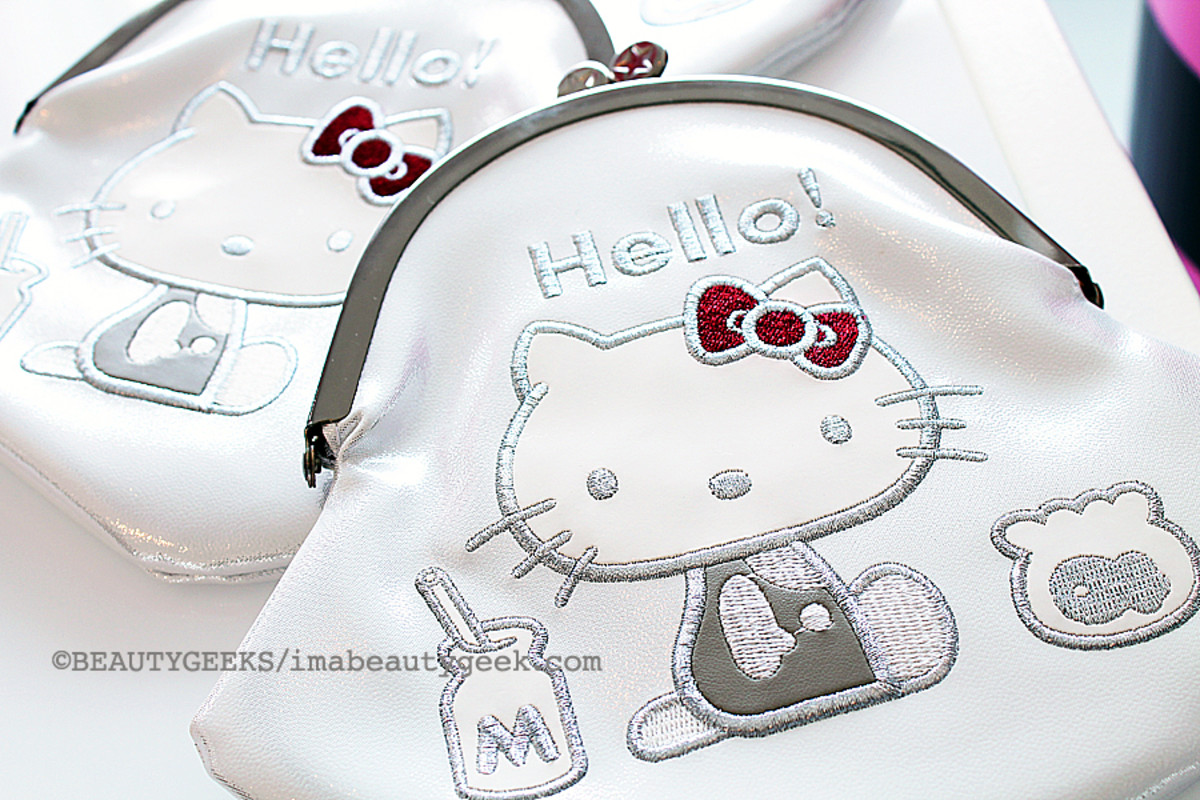 Hello Kitty Holiday 2014_Hello Kitty Milk Money Makeup Bag