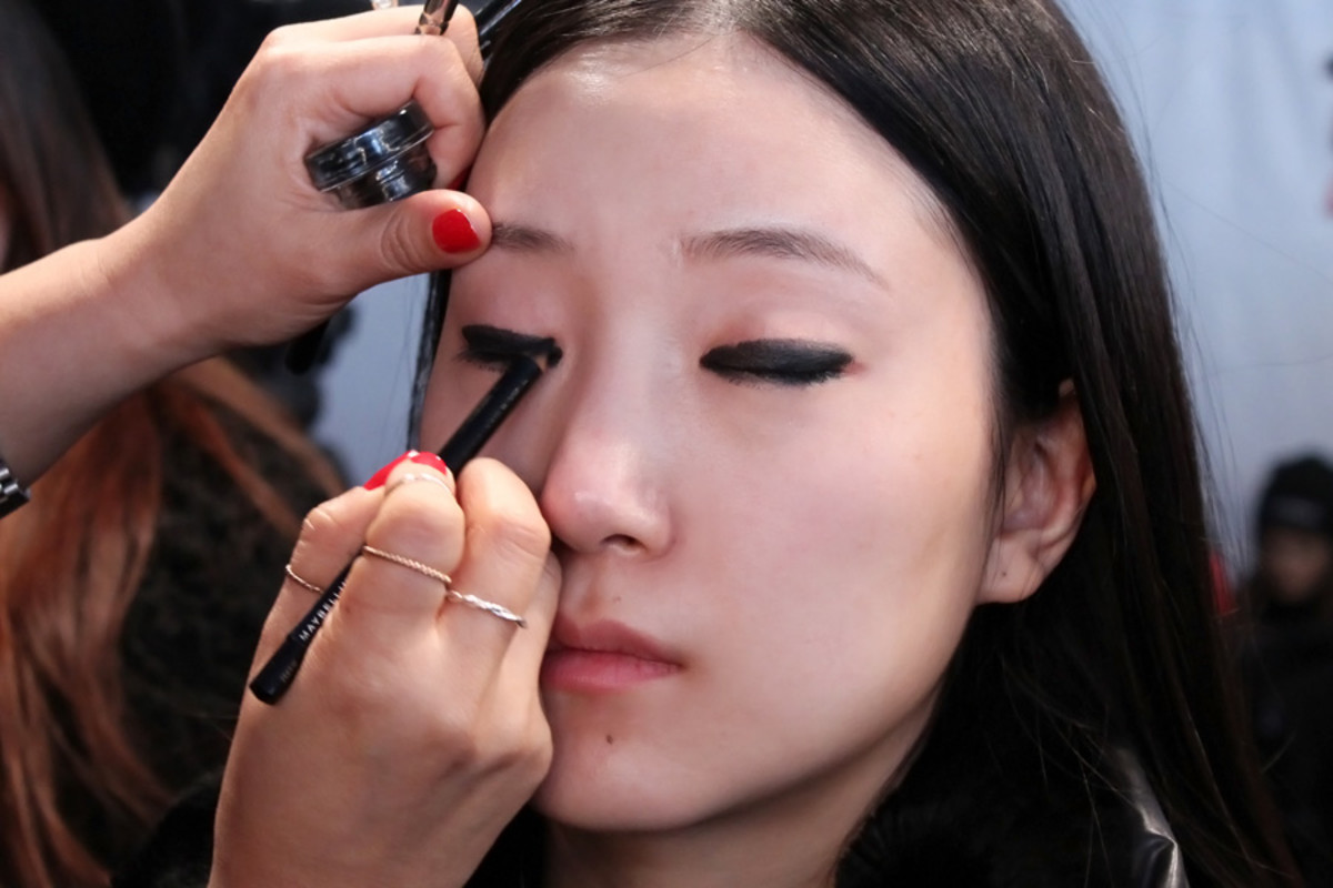 blacked-out eyes_Ishie_backstage beauty Vawk_makeup by Grace Lee for Maybelline_wmcfw