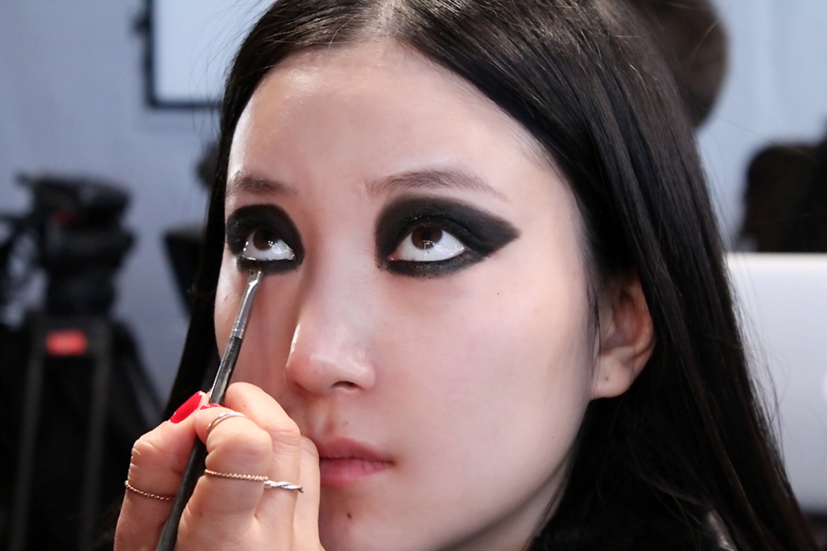 blacked-out eyes Ishie_backstage beauty Vawk wmcfw_makeup Maybelline by Grace Lee
