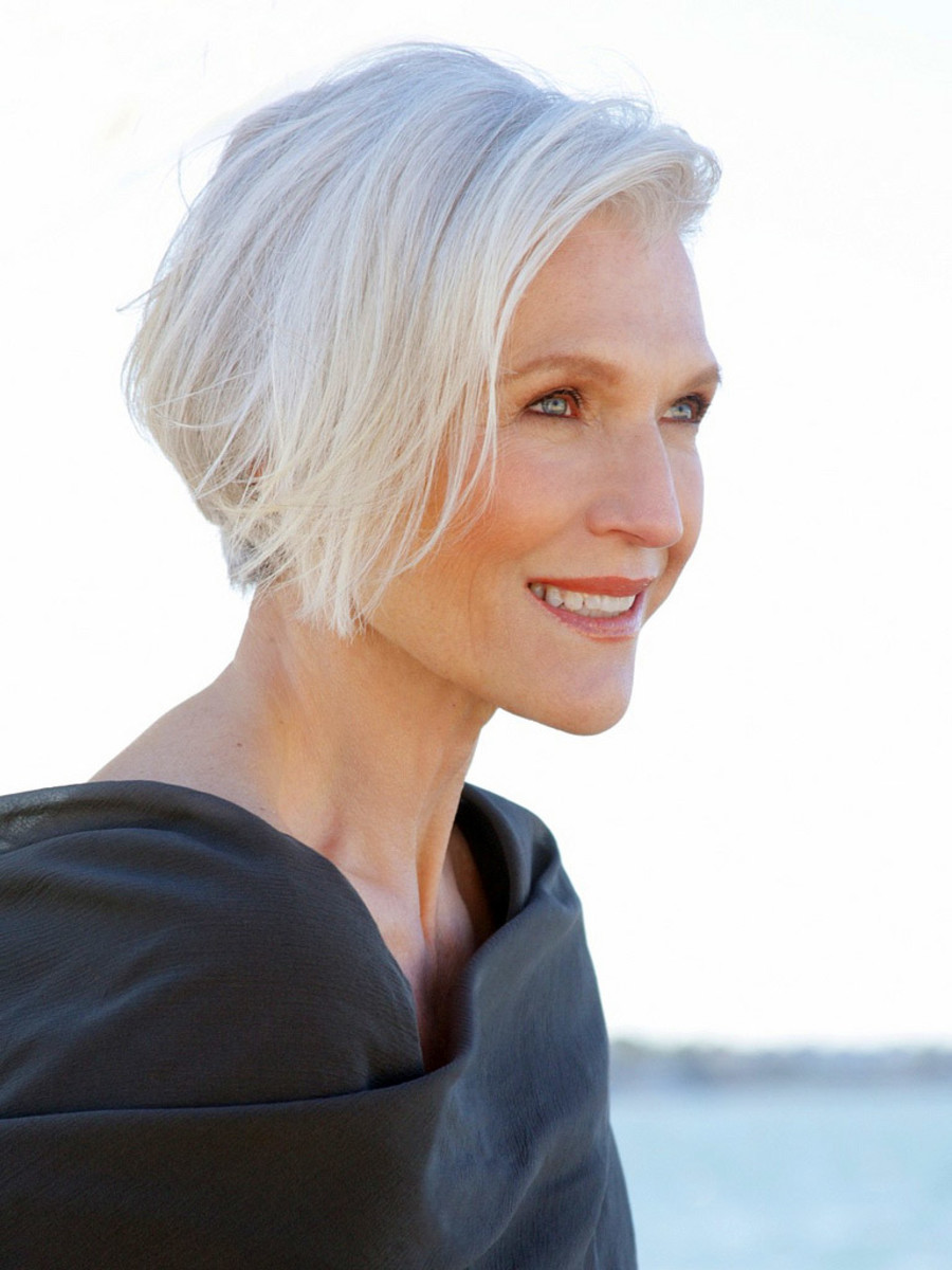 Stain Away How To De Yellow Grey Hair And Become A Silver
