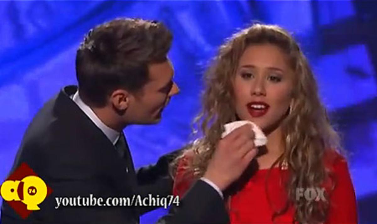 American Idol_Haley Reinhart_Lipstick_Ryan Seacrest