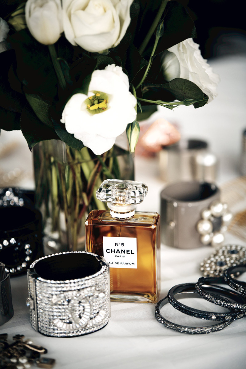 Chanel No 5 The One That I Want_fragrance shot