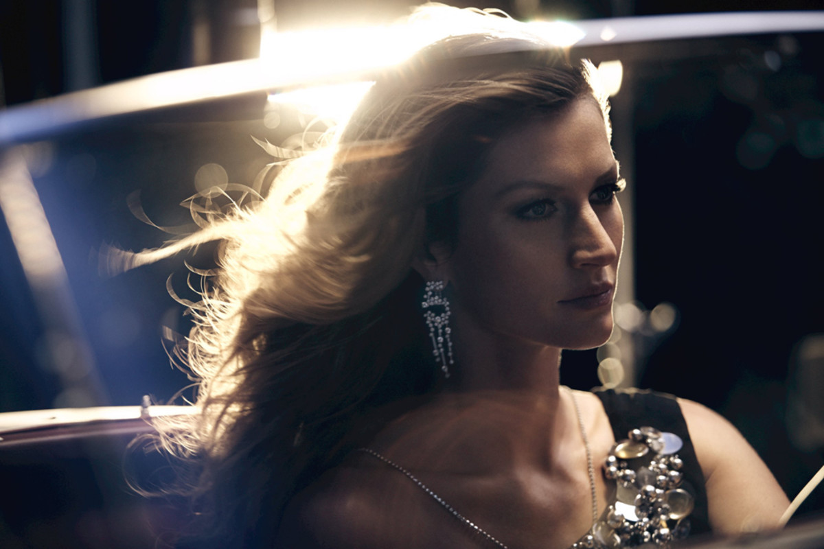 Chanel No 5 The One That I Want_Gisele_convertible