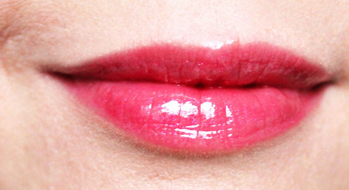 MAC Viva Glam Rihanna Lipglass_$15 USd_$18 CDN
