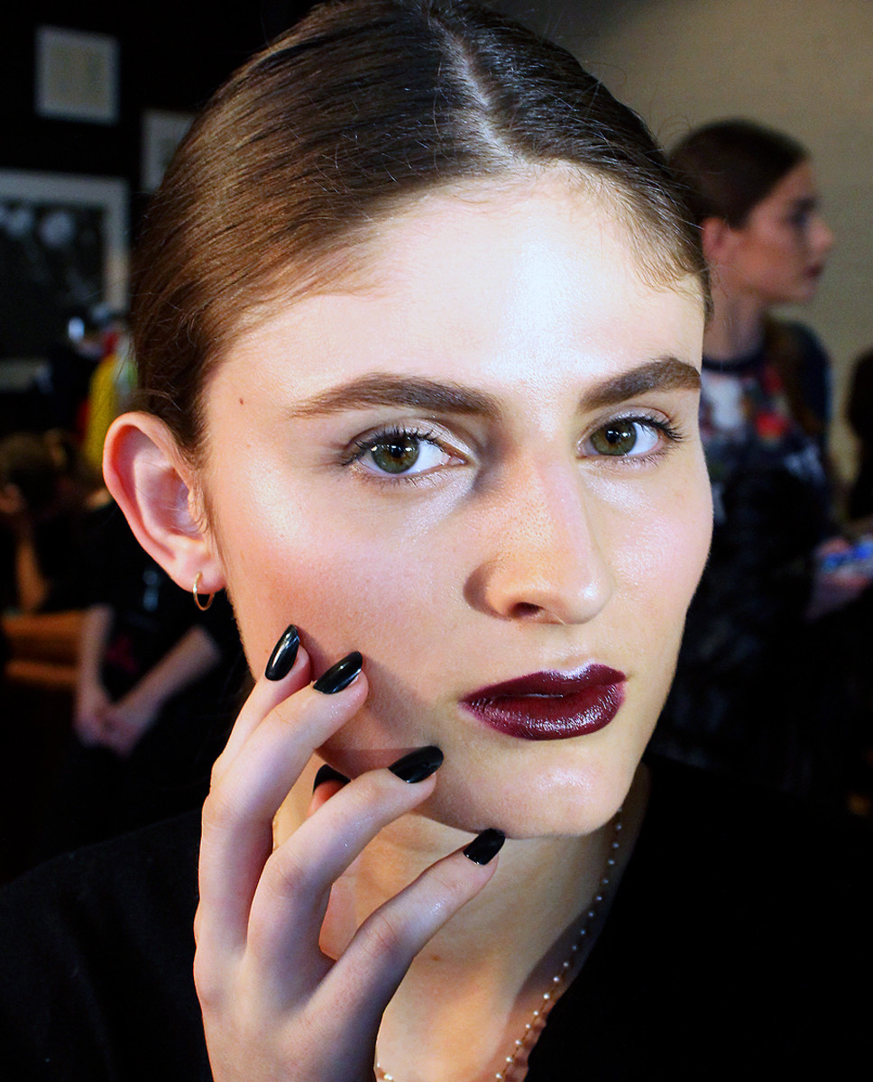 Lorde makeup look Covergirl_Dillon_theshOws Fall 2014