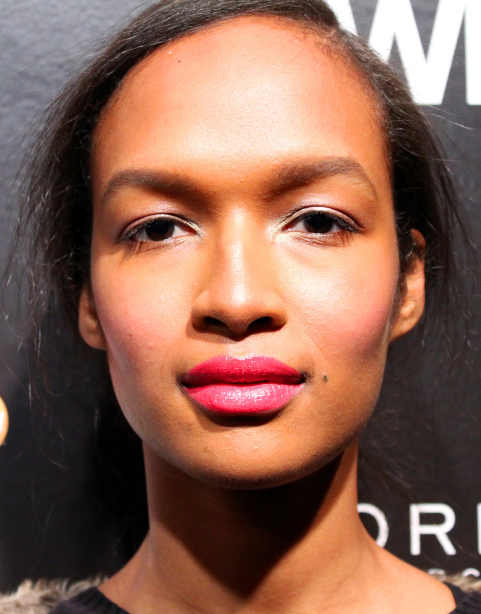 pretty girl makeup_David Dixon backstage beauty_Maybelline pro Grace Lee_Marieme