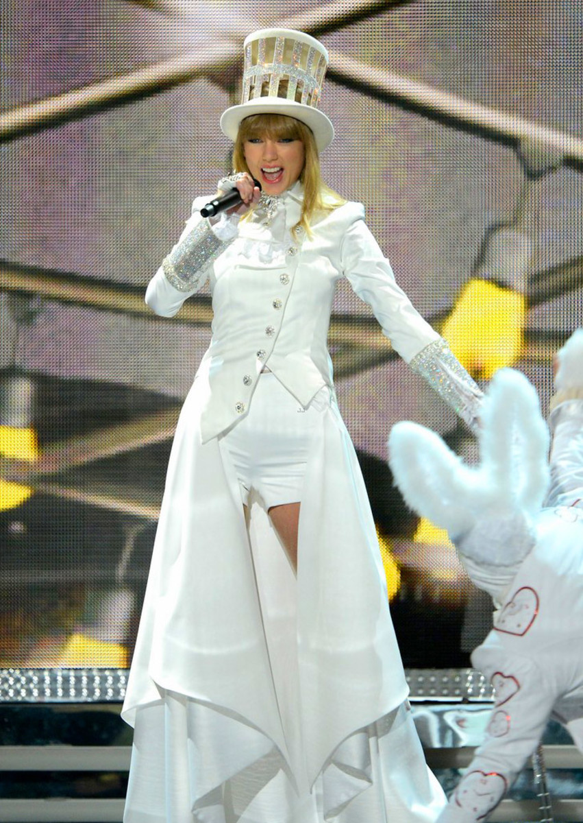 taylor-swift-grammys-2013-performance