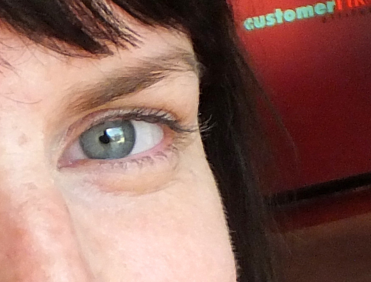 Liz closeup_Boxx Cosmetics_TheShoppingChannel