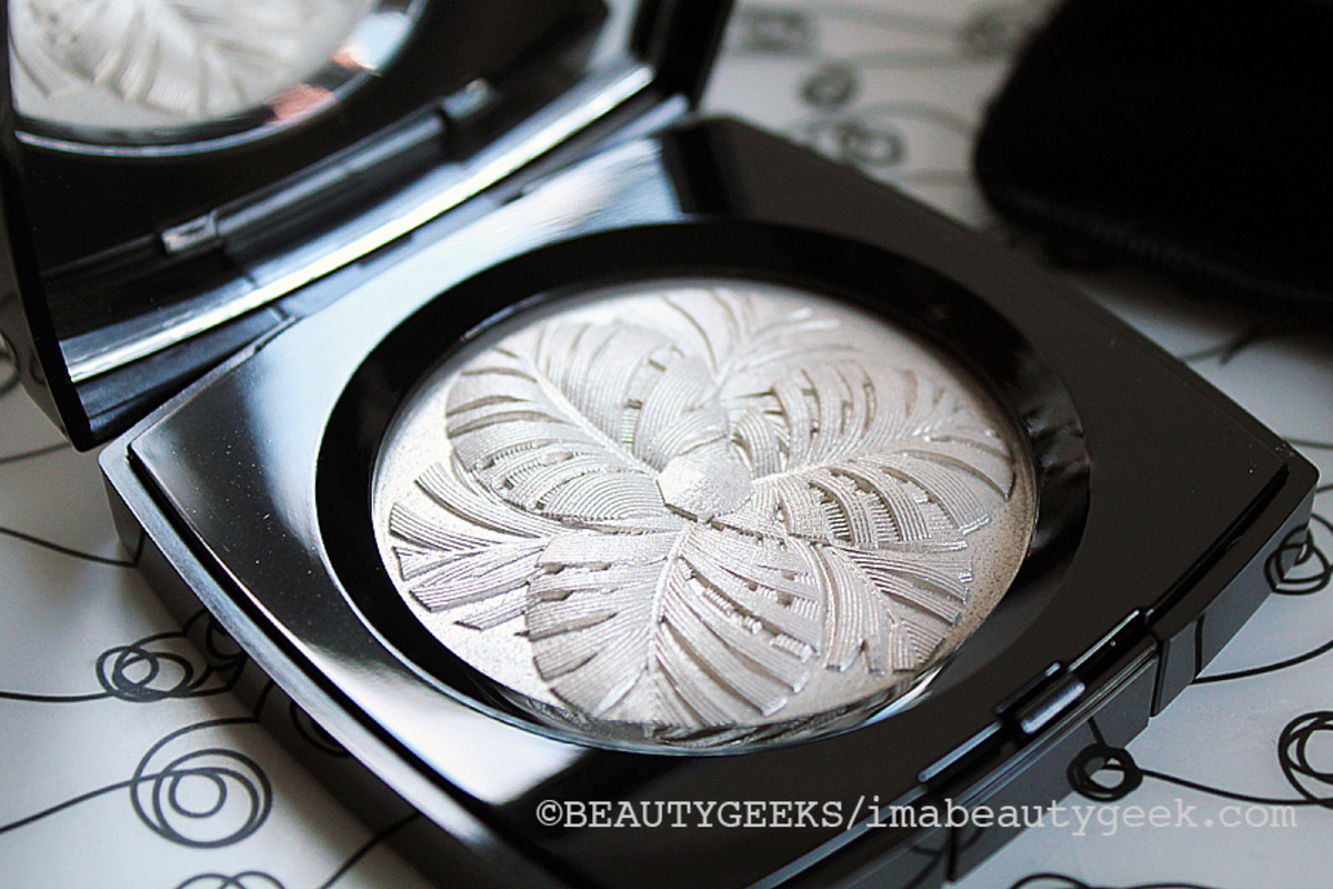 Chanel holiday 2014_Camelia de Plumes illuminating powder