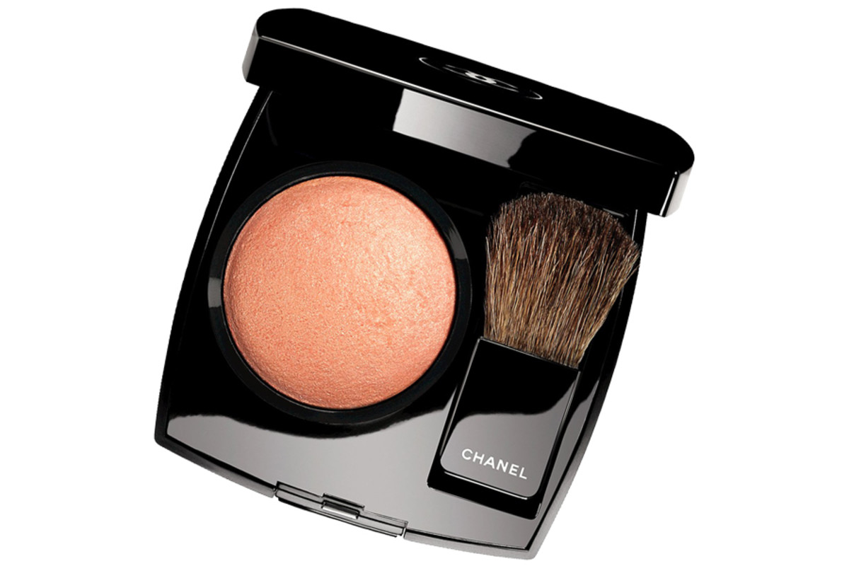 Chanel Holiday 2014_Chanel Joues Contraste in Caresse_limited edition