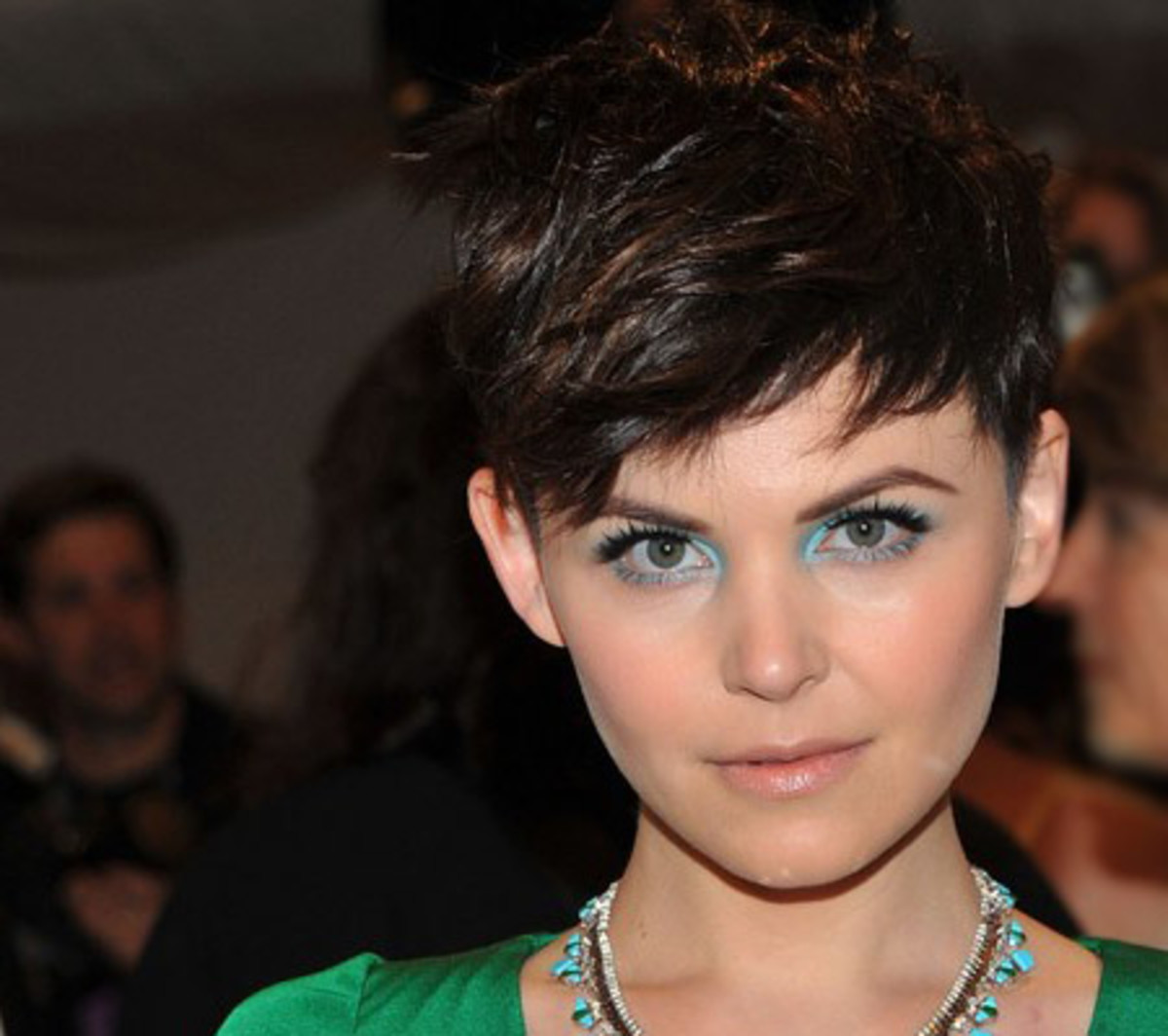 Eye Bright How To Wear Turquoise Eye Shadow With An Emerald Dress