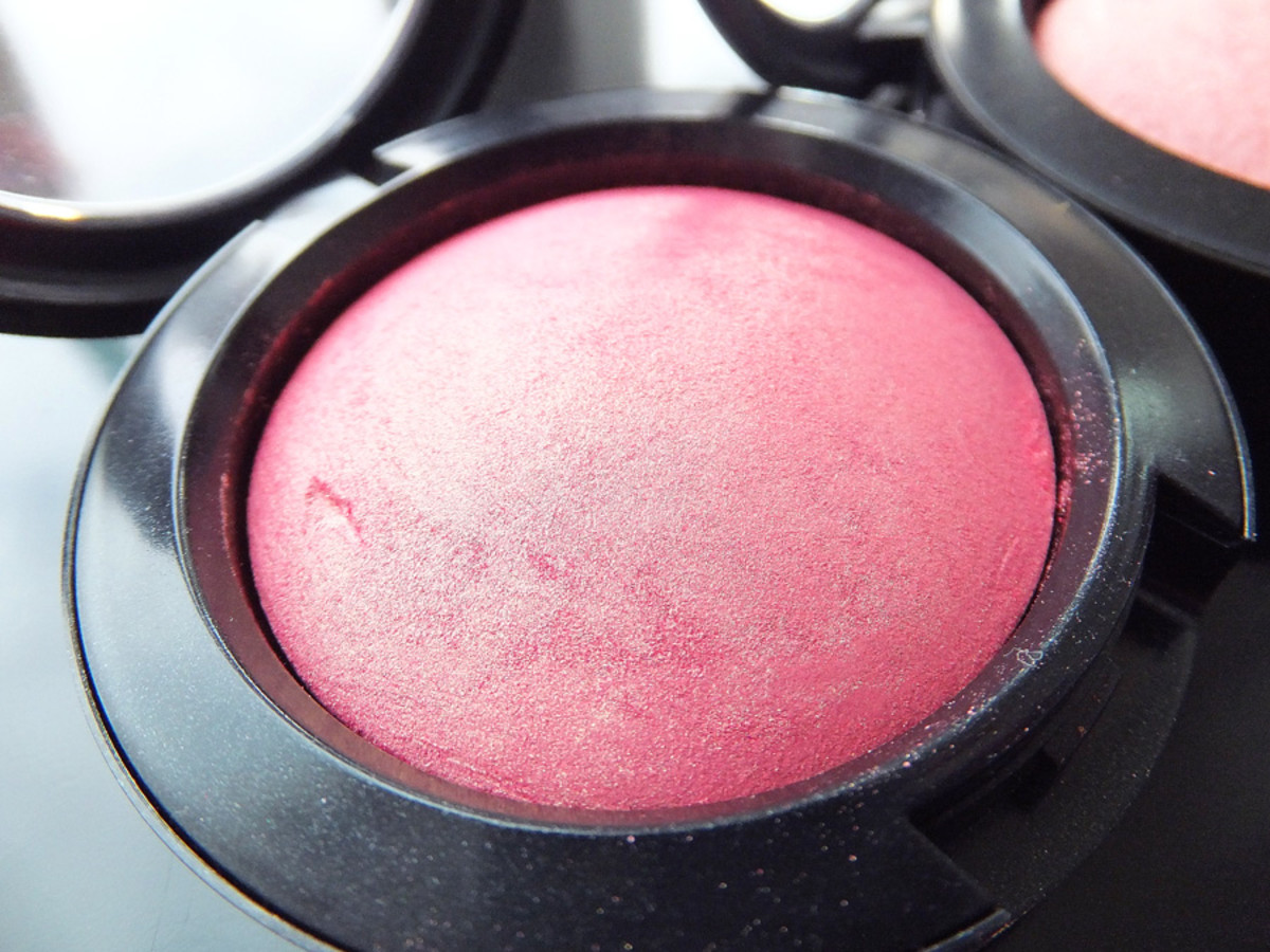 MAC Azalea in the Afternoon Mineralize Blush_MAC Fantasy of Flowers