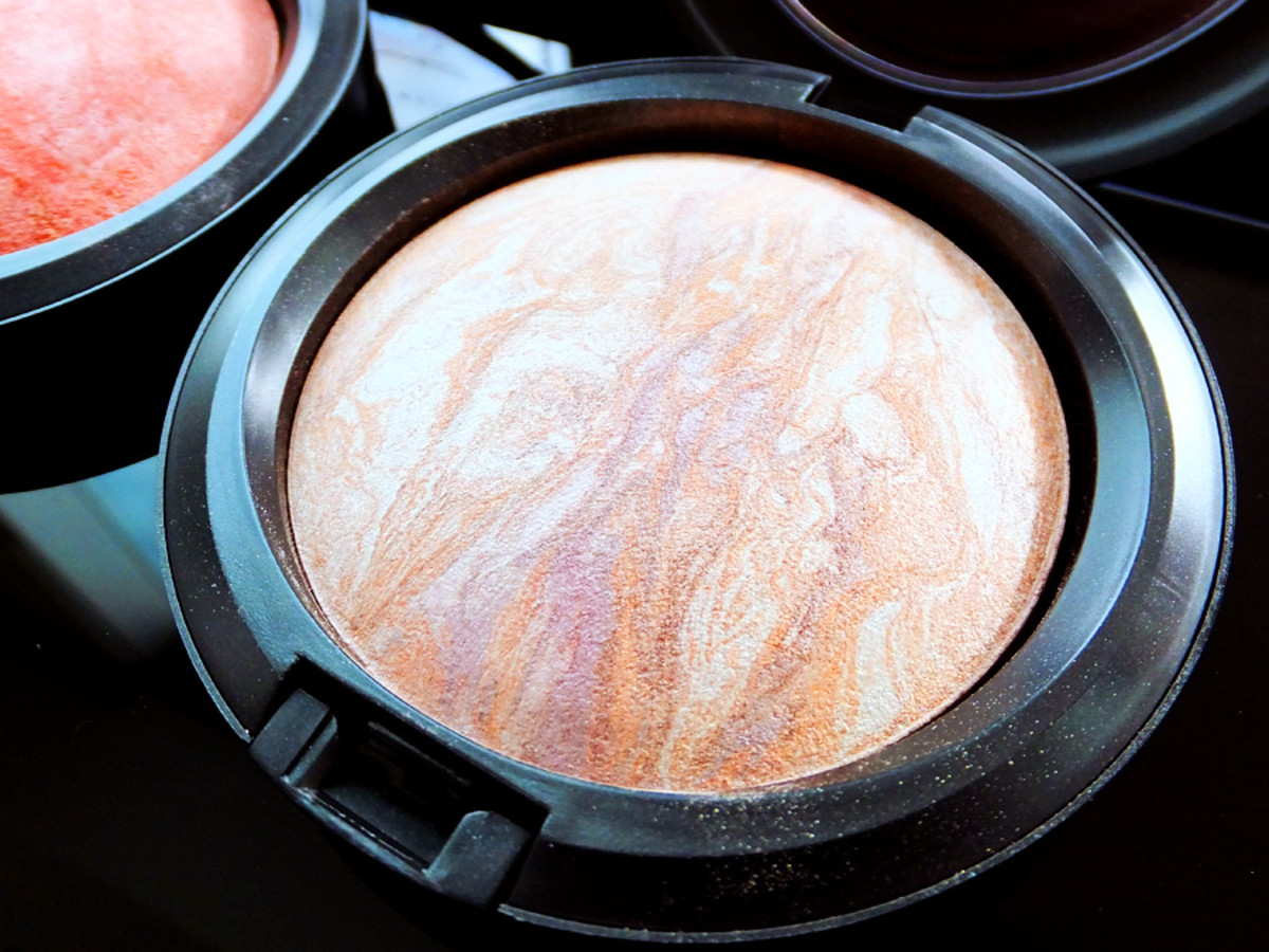 MAC Perfect Topping Mineralize Skinfinish__MAC Fantasy of Flowers