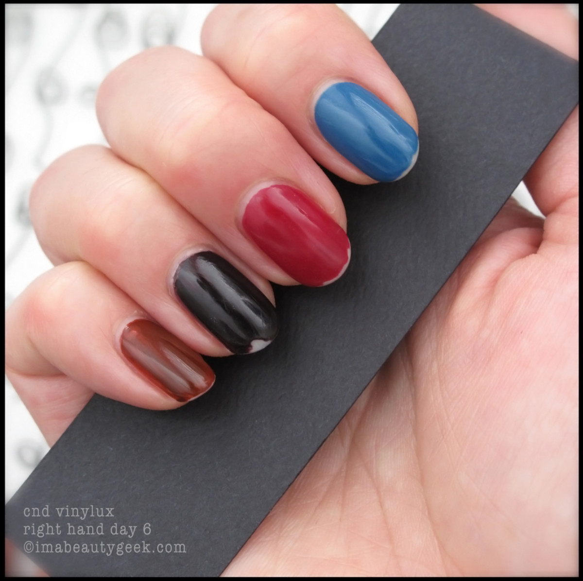 CND Vinylux review_Vinylux Forbidden Collection Day 6 Right Hand