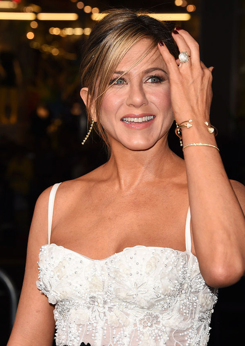 Jennifer Aniston_Horrible Bosses 2_engagement ring_makeup