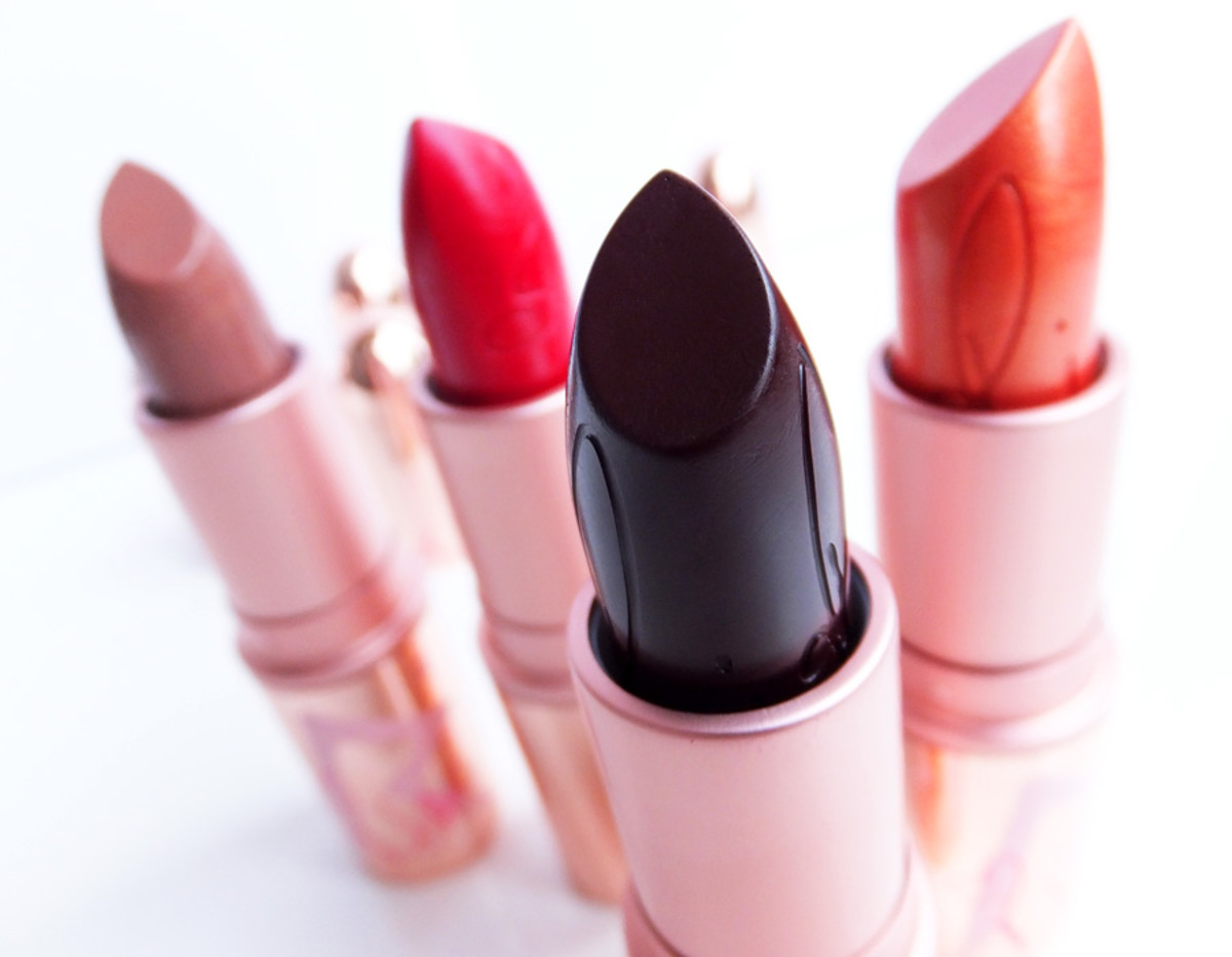 RiRi hearts MAC lipsticks_Nude_RiRi Woo_Talk That Talk_Who's That Chick_BEAUTYGEEKS_IMABEAUTYGEEK.COM