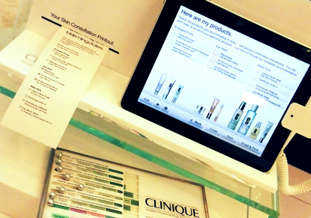 Clinique Bloomingdale's_skin consultation station