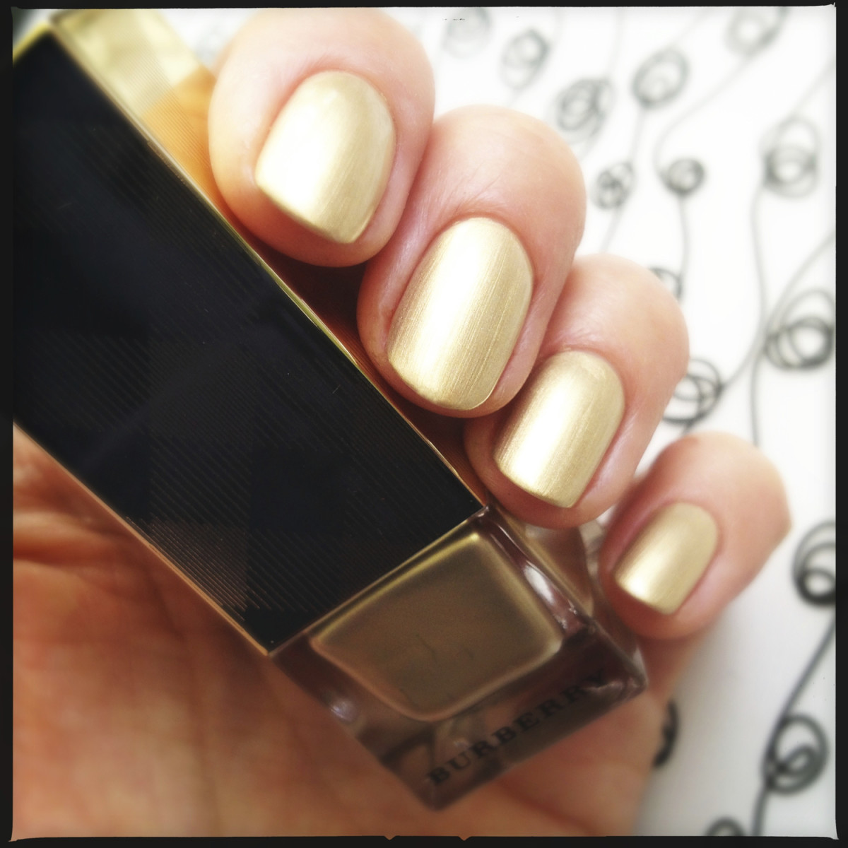 1 Burberry Light Gold 107