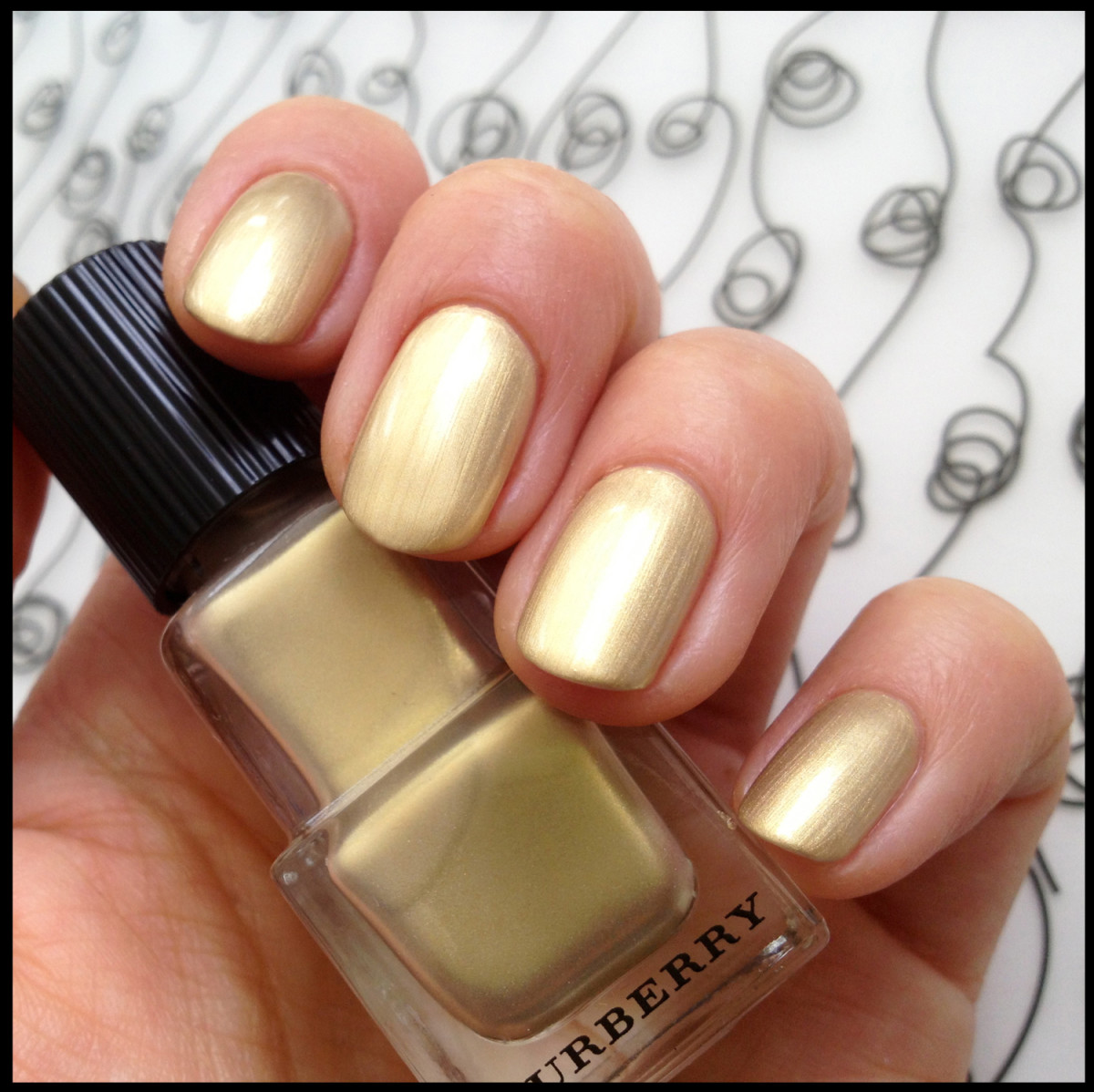 2 Burberry Light Gold 107