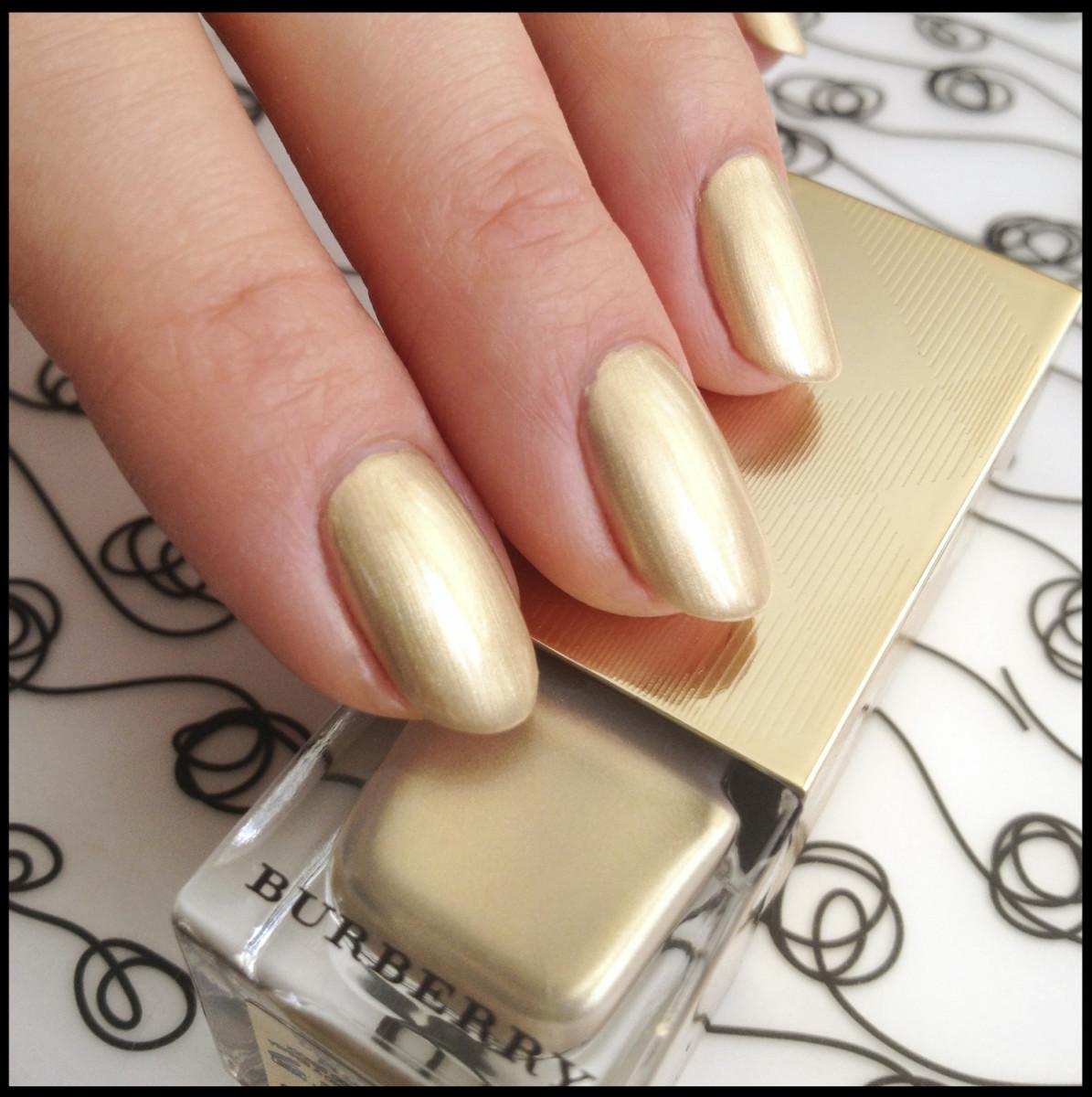 3 Burberry Light Gold 107