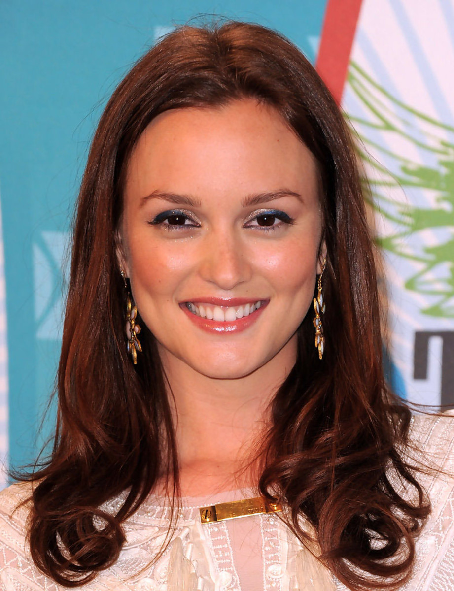 Leighton Meester in blue liner