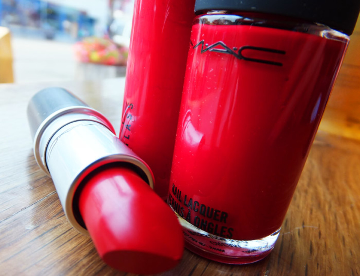MAC Fashion Sets in Russian Red