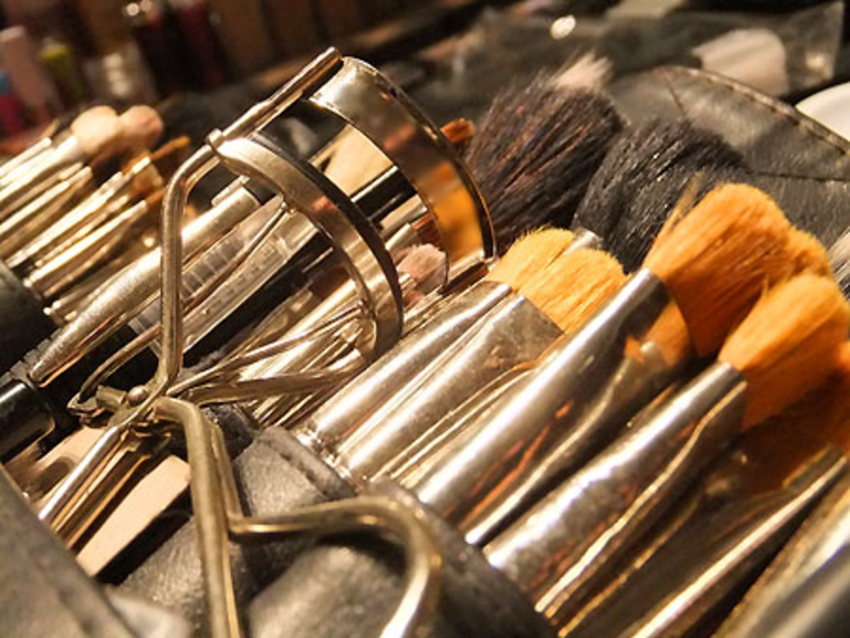 backstage-beauty_makeup-brushes.jpg