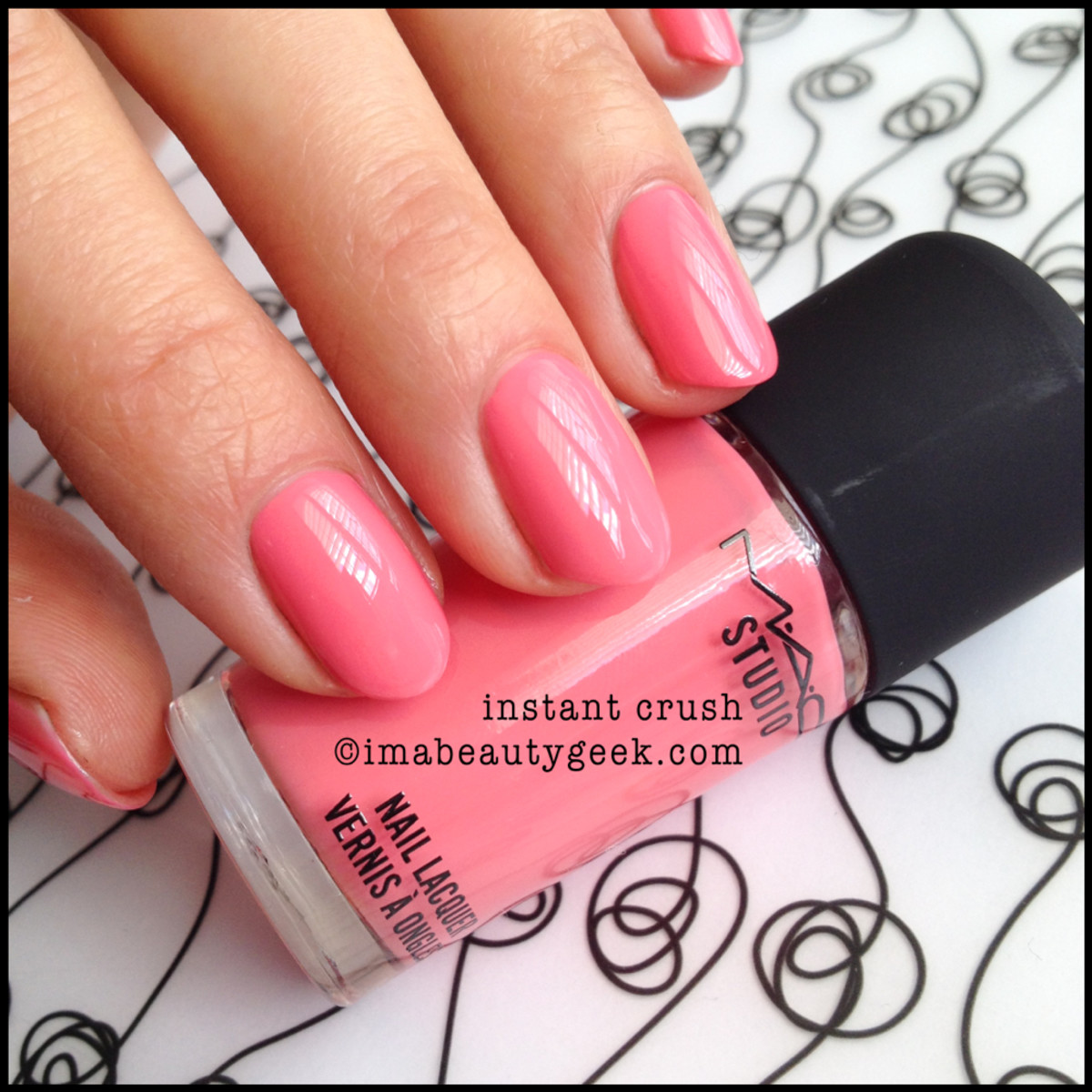 MAC nail Instant Crush