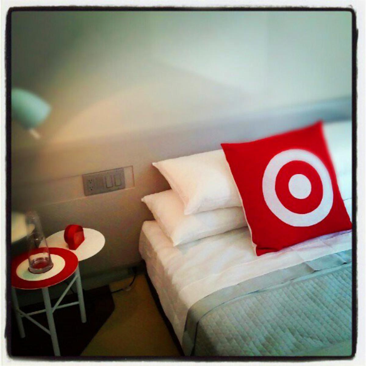 Target Hotel_bedside
