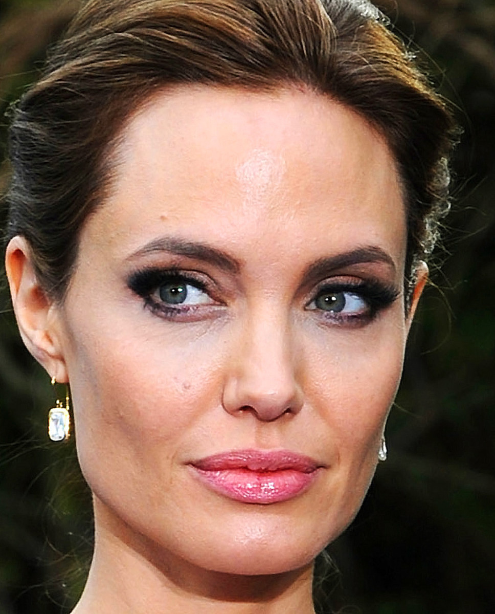 angelina jolie's makeup artist on sculpting cheekbones_maleficent angelina jolie