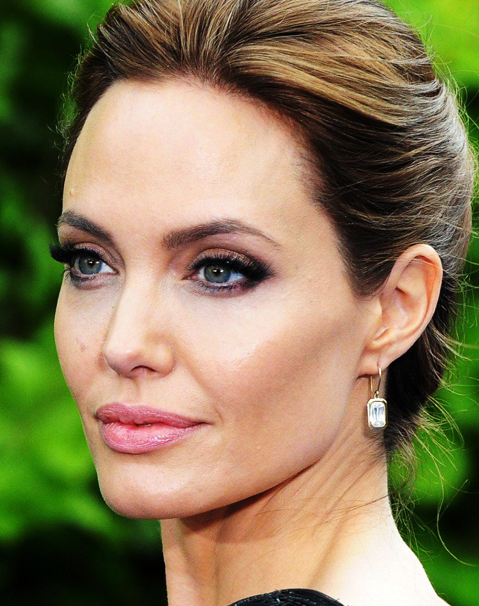 Angelina Jolie's makeup artist on sculpting cheekbones_Angelina London May2014